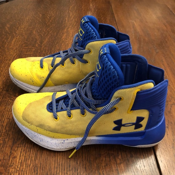 1538db55 Under Armour Shoes   Stephen Curry Sneakers   Poshmark